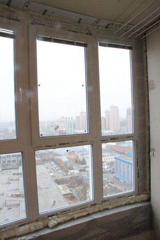 Лоджия в доме КОПЭ М ПАРУС после остекления Единый Оконный Центром